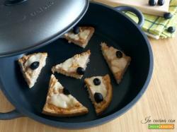Bruschette salsiccia e olive in padella