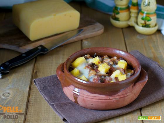 Polenta gratinata con funghi e formaggio