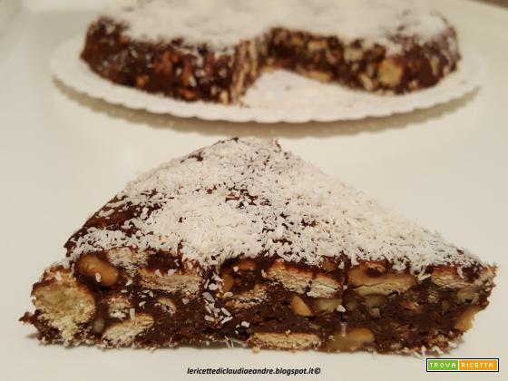 Torta fredda con misto di biscotti, cioccolato e noci, di riciclo
