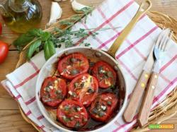 Pomodori in padella alle erbe e capperi: un super piatto