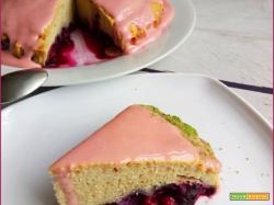 Torta Mandorle e Frutti di Bosco con Glassa Proteica