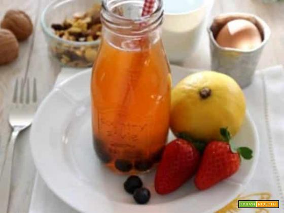 La gustosa bevanda al Rooibos, bergamotto e frutta fresca