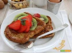 French toast alla frutta e sciroppo… ci prendono per la gola!