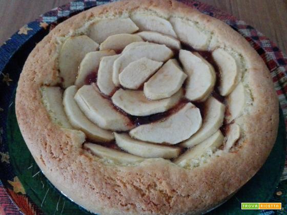 Crostata con marmellata di mela cotogna e mele