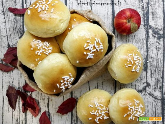Brioche di mela