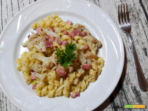 Pasta cavolfiore e pancetta