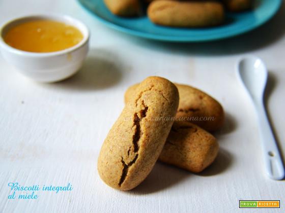 Biscotti integrali al miele e olio