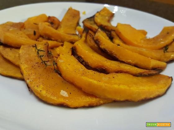 Zucca al forno marinata con olio, timo, rosmarino e sale grosso
