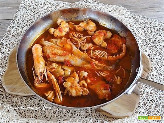 Come fare una zuppa di pesce buona e veloce