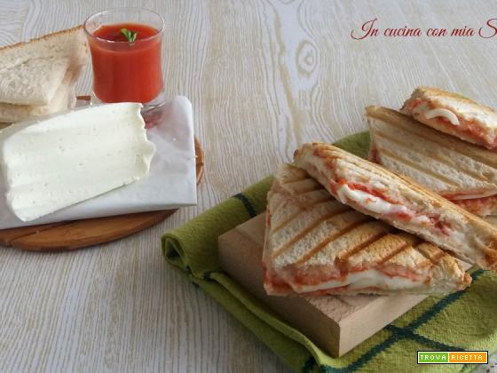 Toast alla pizzaiola – idea salvacena