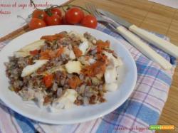 Riso rosso al sugo di pomodoro e merluzzo