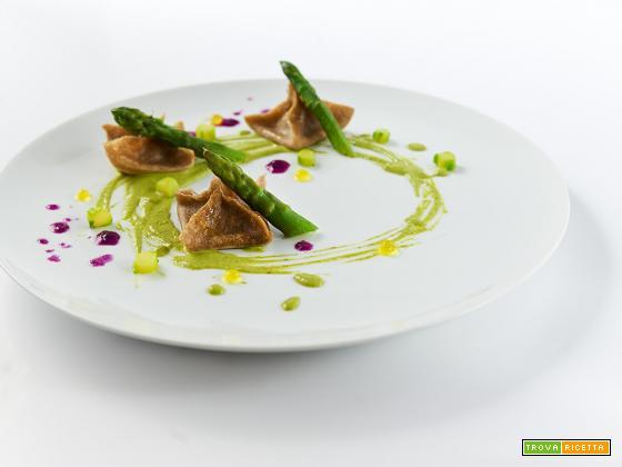 ravioli con gli asparagi