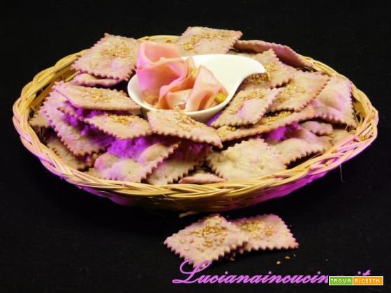 Crackers viola con esubero di lievito madre