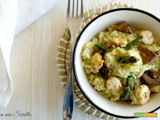 Risotto agli asparagi, porcini e gamberetti