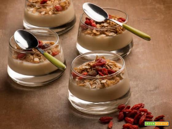 Crema di mandorle e muesli: un dessert per palati sopraffini!