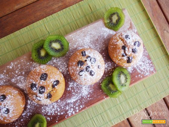Muffin al cocco con cuore di kiwi e cioccolato
