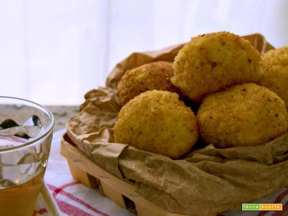 Crocchette di riso filanti, semplici e gustose