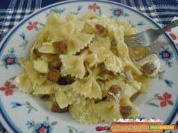 Pasta alla carbonara con patate rosse novelle