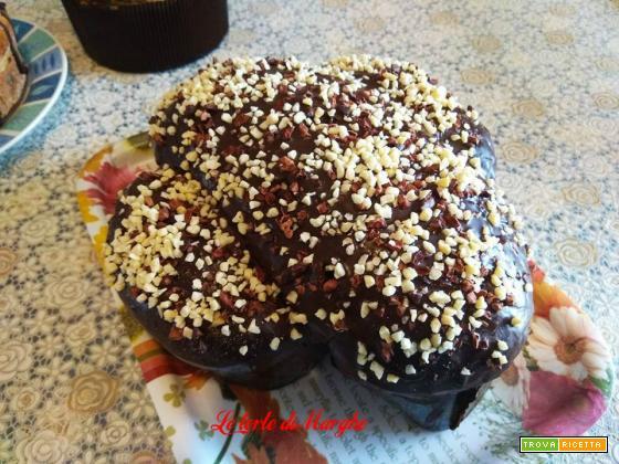 Colomba pasquale al cioccolato e fave di cacao