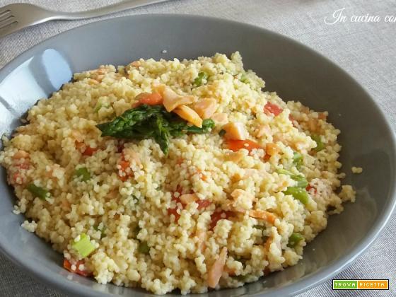 Cous Cous agli asparagi e salmone
