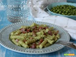Pasta con pesto di piselli e pancetta