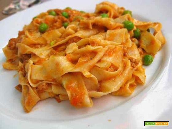 Pasta salsiccia e piselli
