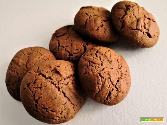Biscotti al cacao e burro di nocciole