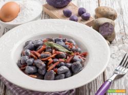 Gnocchetti di patate viola con speck: un'accoppiata vincente