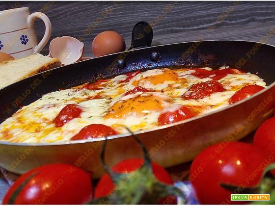 Uova alla pizzaiola con mozzarella