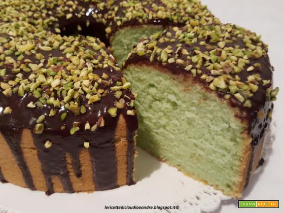 Chiffon cake alla menta, cioccolato e pistacchio