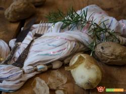 Tre metodi per cucinare le patate al microonde