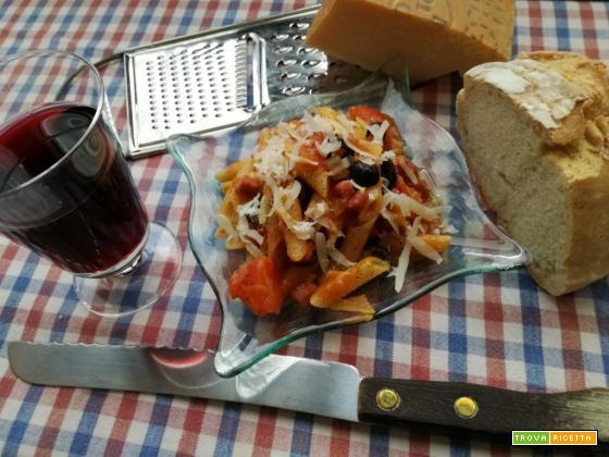 Pasta al sugo di pancetta ed olive