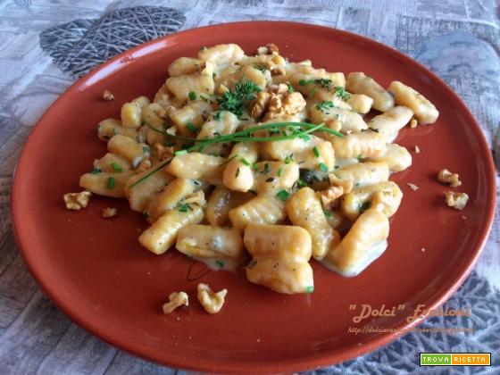 Gnocchi di Zucca e Patate con Fonduta al Taleggio e Gorgonzola, Noci e Timo