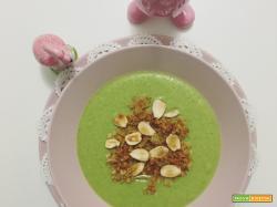 Crema di broccoli e granola di gorgonzola