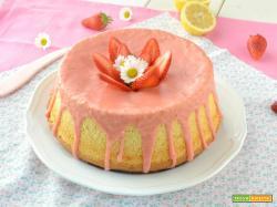 Chiffon cake al limone e zenzero con glassa alle fragole