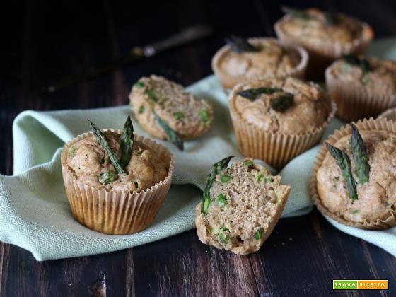 Muffin leggeri e integrali agli asparagi  – ricetta veloce