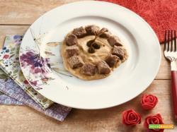 Festa della mamma: dadi di vitello in salsa tonnata e fior di cappero