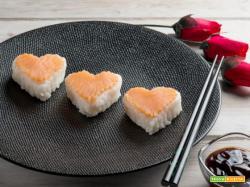 Sushi al salmone: un piatto giapponese per la festa della mamma