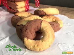 Biscotti tipo abbracci con farina di mais e cacao – per la festa della mamma