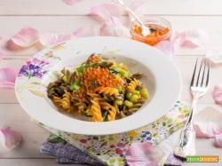 Pasta due colori con asparagi freschi per festeggiare la mamma!