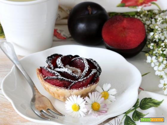 Auguri mamma: roselline di prugne e sfoglia senza glutine e lattosio