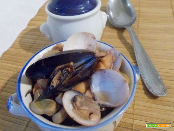 Zuppa di pesce con fave