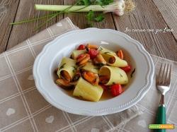 Paccheri con cozze e pomodorini