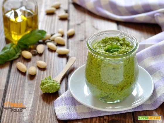 Pesto di zucchine semplice e cremoso