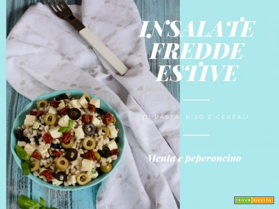 Insalate fredde estive di pasta, riso e cereali