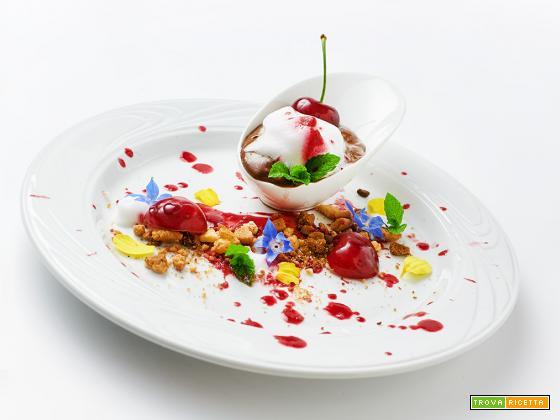 love – crema di cioccolato e ciliegie con meringa