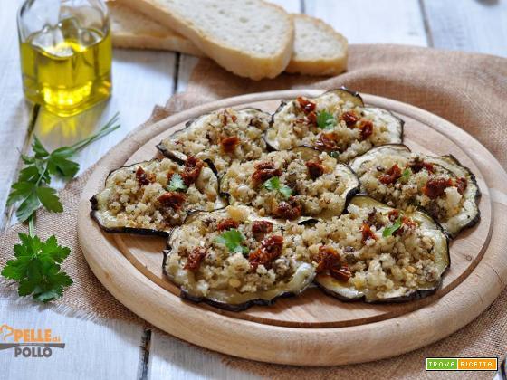 Melanzane gratinate con olive, capperi e acciughe