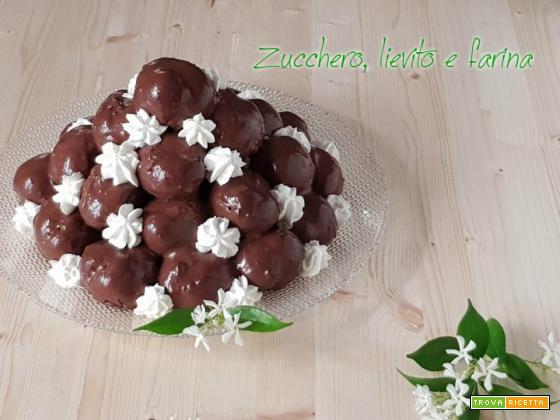 Profiterol, la montagna di cioccolato!