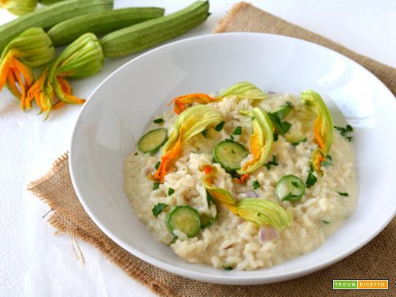 Risotto con zucchine e stracchino (e fiori di zucca)