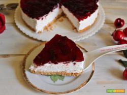 Torta fredda alle meringhe e marmellata
